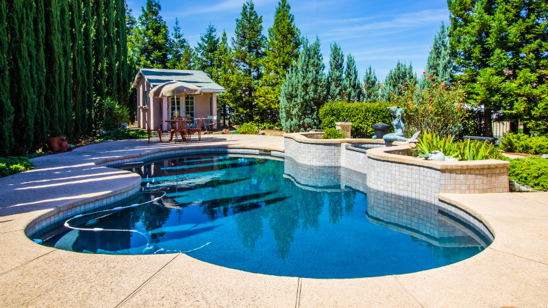 Have the Best Summer Ever: 5 Benefits of Custom Pools